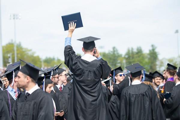 UNH Commencement graduates
