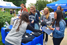 Career and Professional Success meeting with UNH students during U-Day