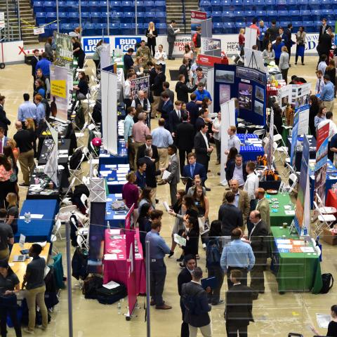 Image of the Career Fair at the University of New Hampshire in the Whittemore Center