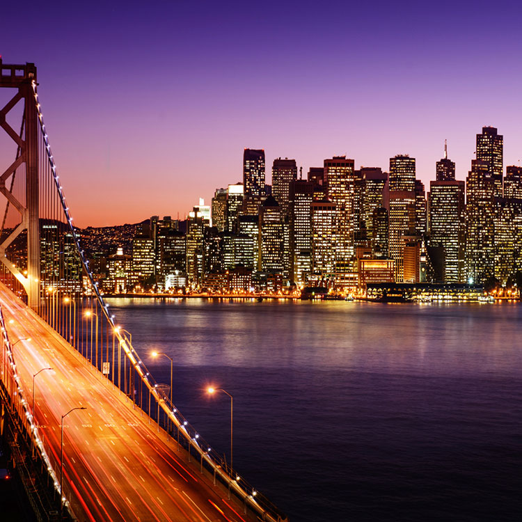 Night time skyline photo of San Fransico