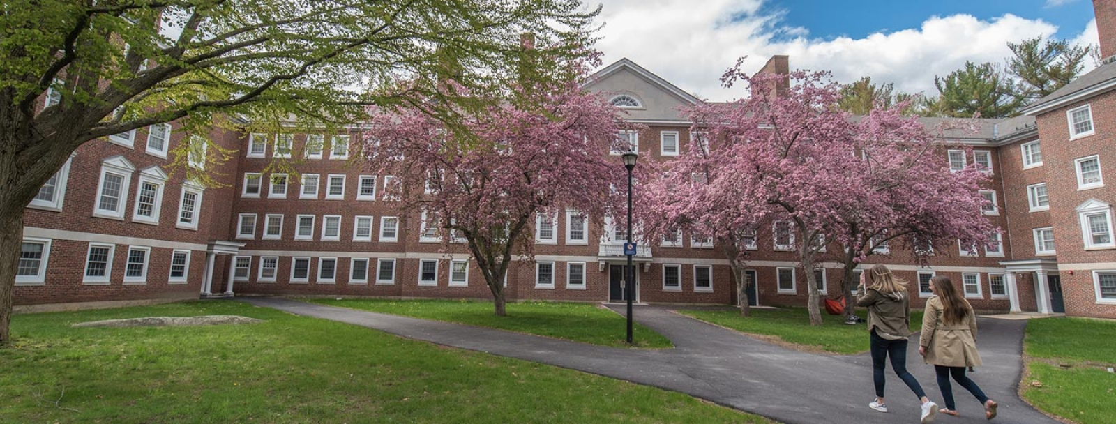 unh campus in the spring