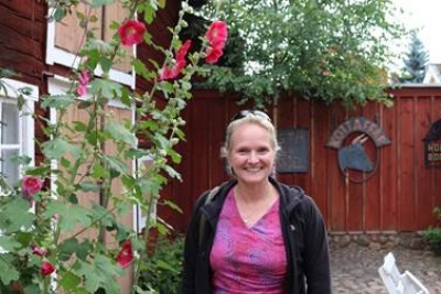 photo of Prof. Melissa Wells in the old town/Gamla Stan in Eksjö