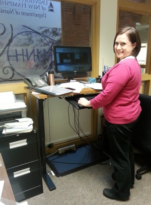 Standing_Desk_Activity_Healthy_UNH_Blog_photo