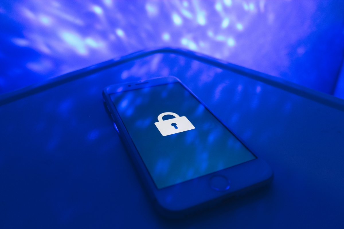 Photo of a smart phone with a lock on the screen courtesy of Flickr