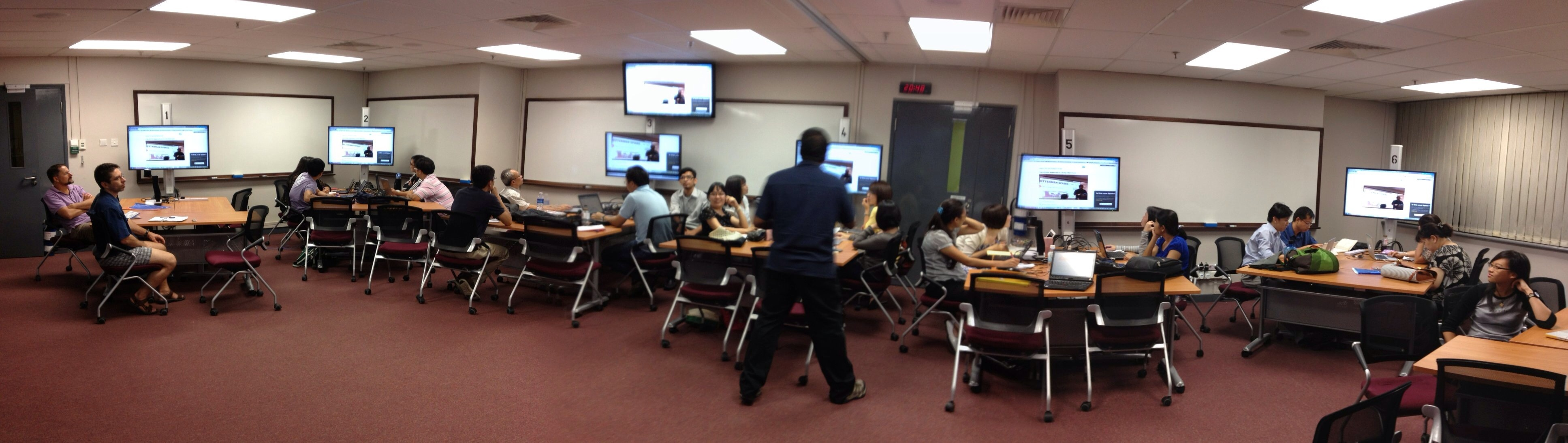 Image of Technology Enabled Active Learning (TEAL) classroom