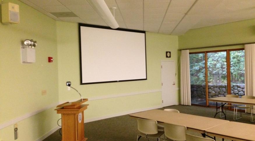 Alumni Center 1925 Room - Screen & Podium