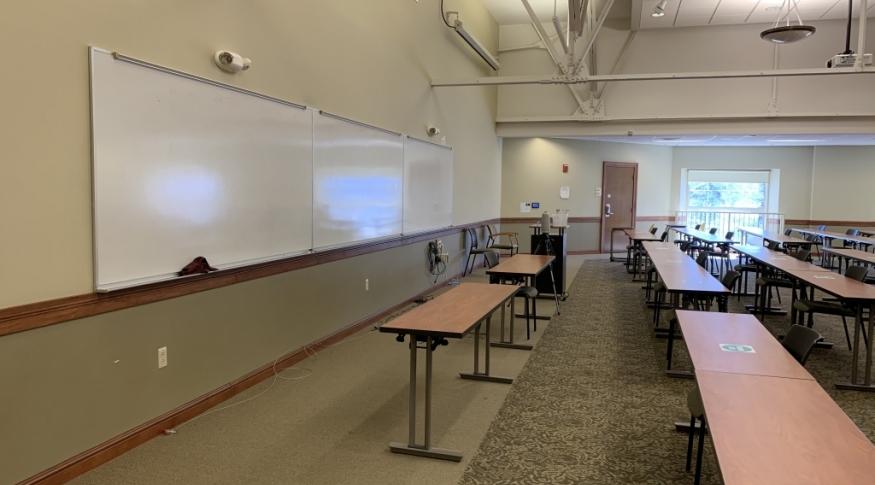 New Hampshire Hall 208 Room Photo