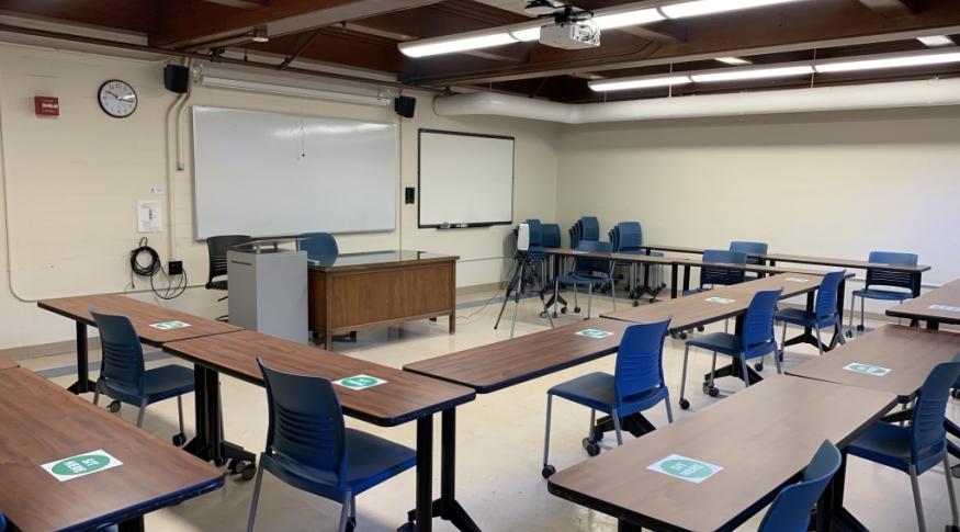 New Hampshire Hall G07 Room Photo