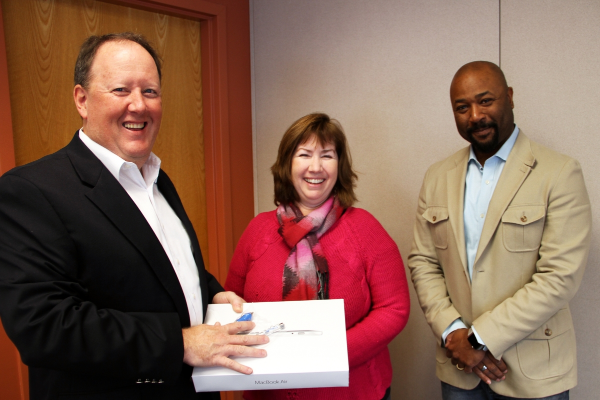 Ted Angles (Sophos), Eileen Cooley (Prize Winner), Stan Waddell (UNH CIO)