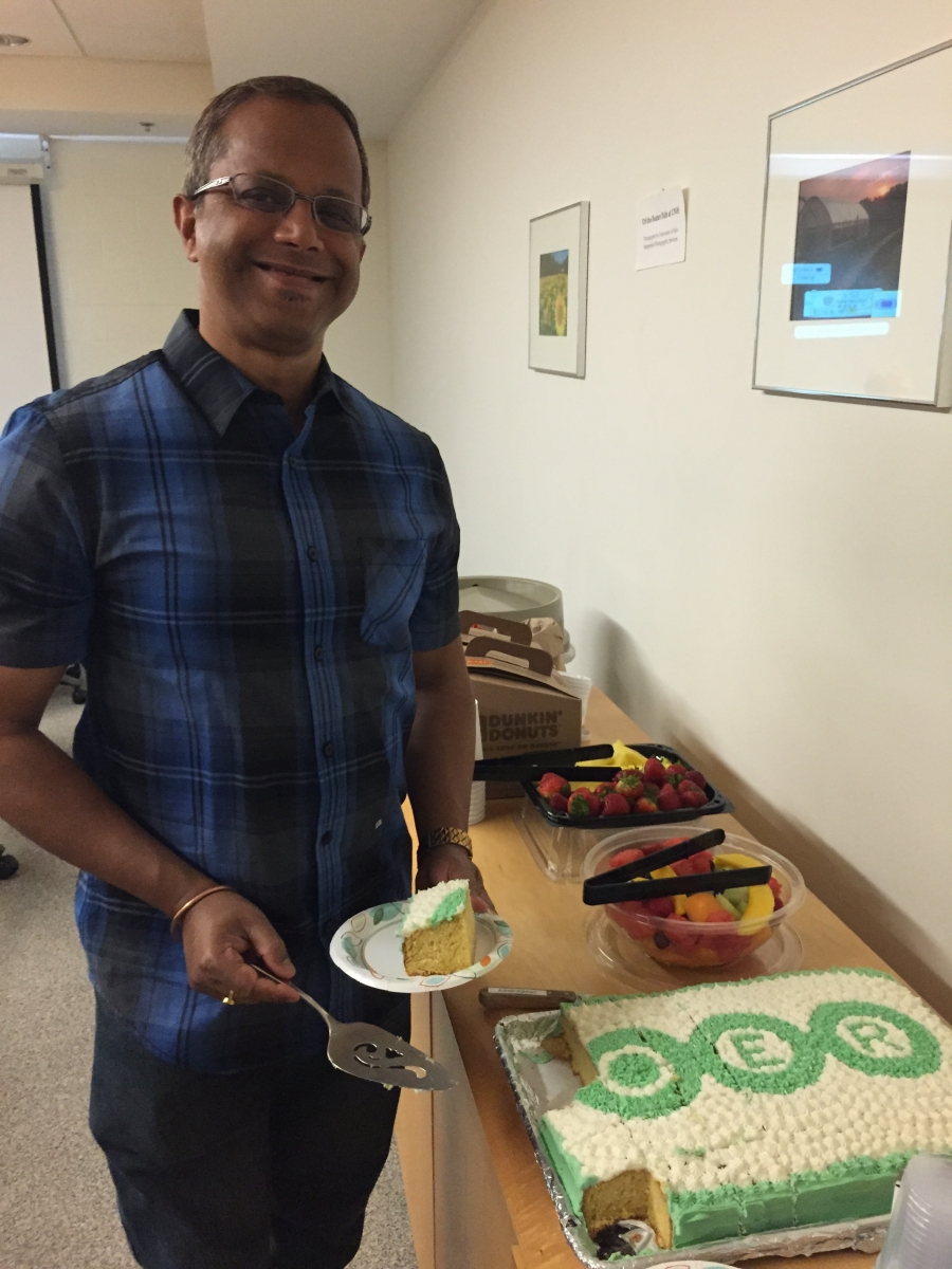 Dev Dutta cuts the cake