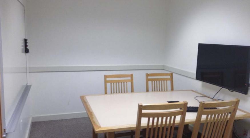 Dimond 121 Breakout Room