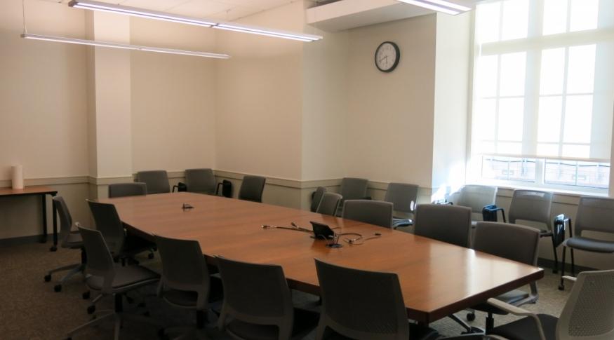 Hamilton Smith 250B Room Photo