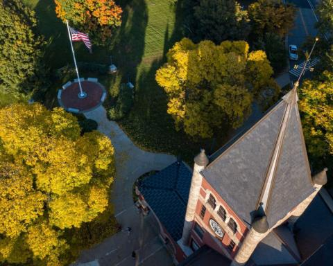 Aerial view of UNH Thompson Hall in the autumn
