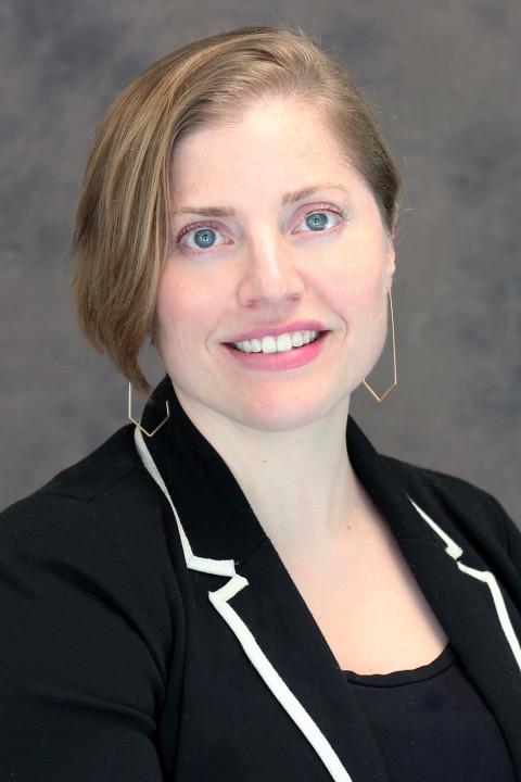 Heather MacNeill headshot