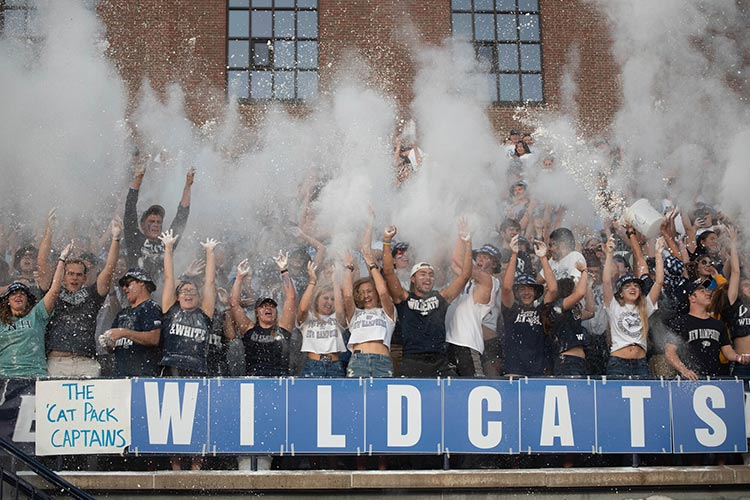UNH wildcats fans cheering