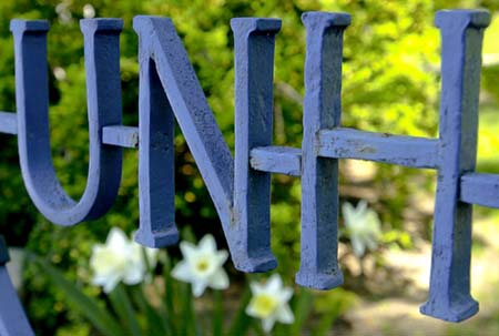 Image of UNH gate