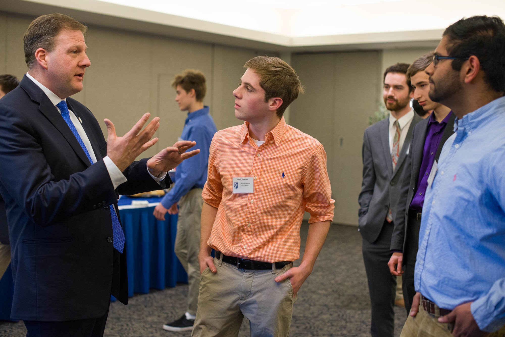 Governor Sununu talks with UNH students at Hamel Scholars Luncheon