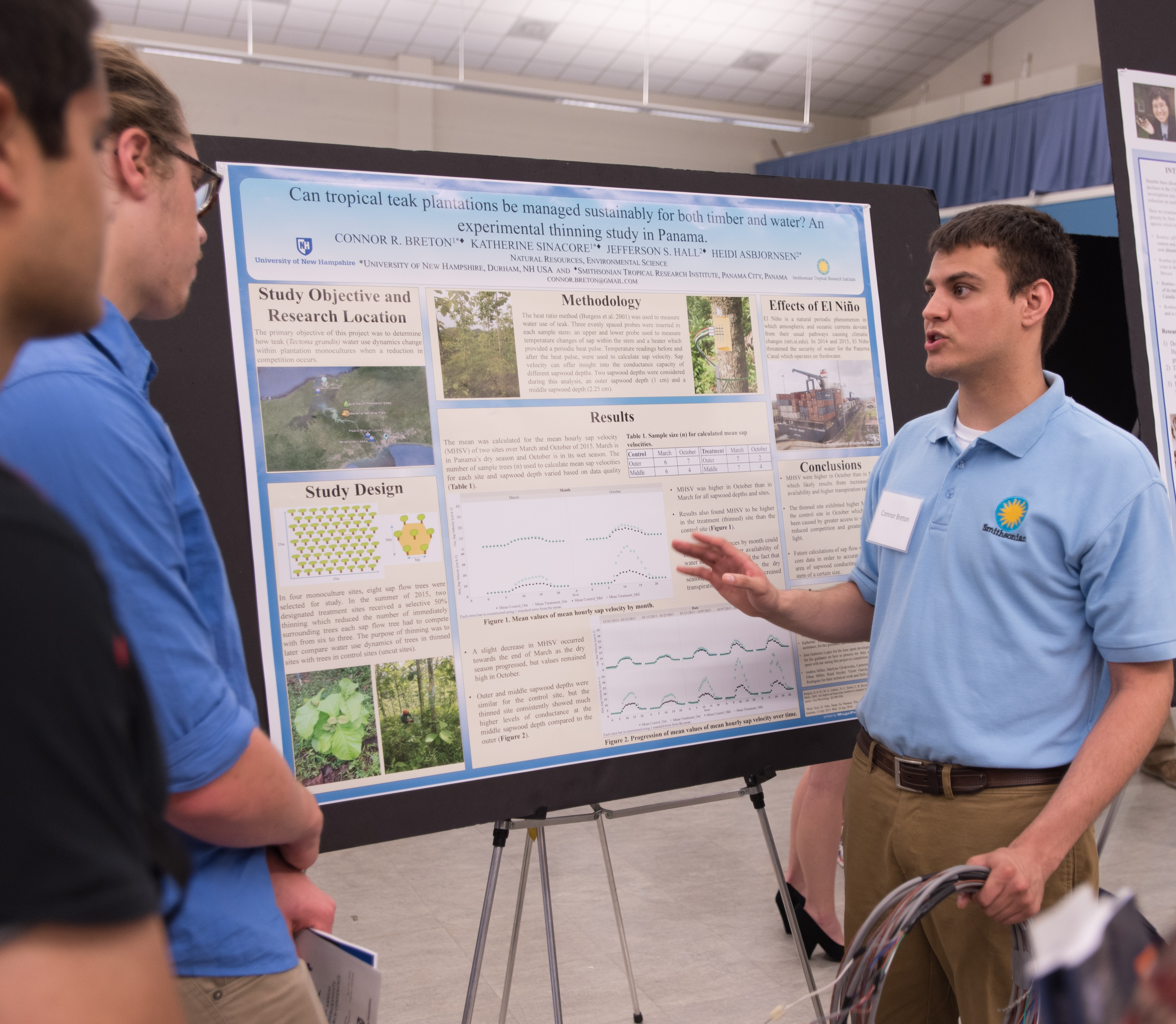 Student presenting at COLSA URC