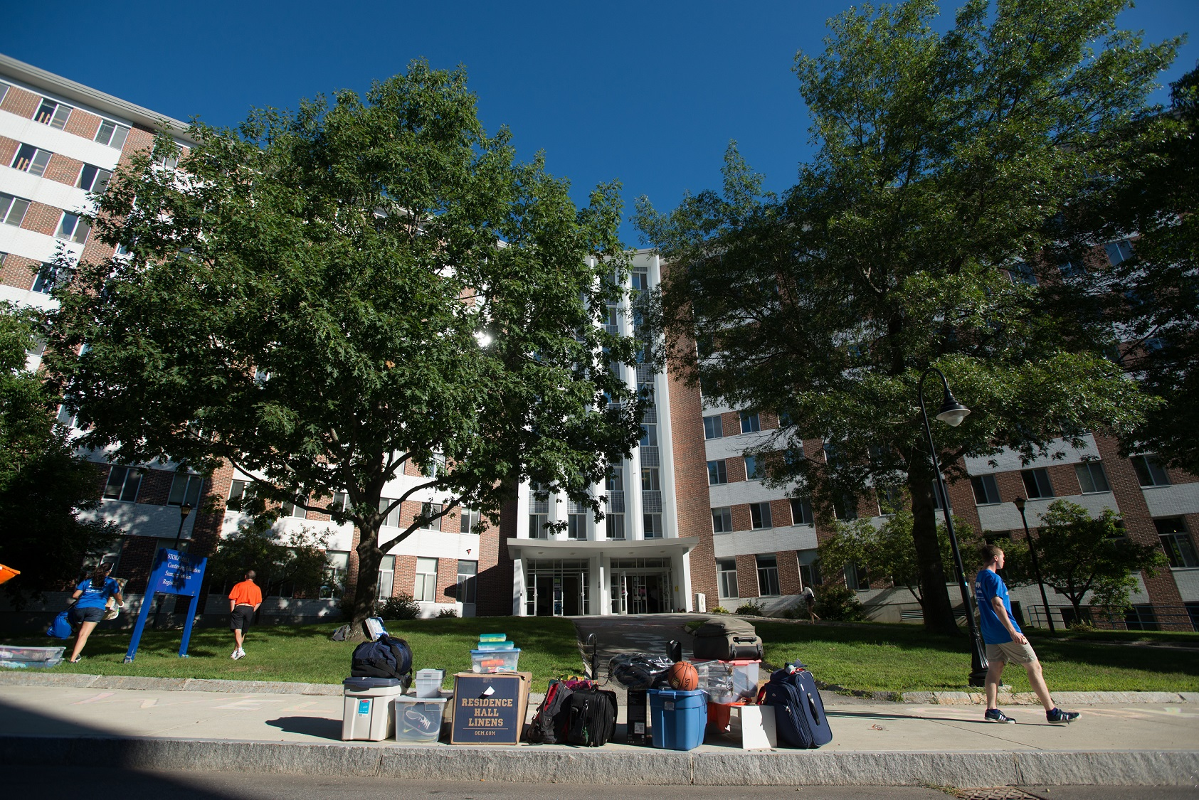 Image of move-in day at Stoke Hall