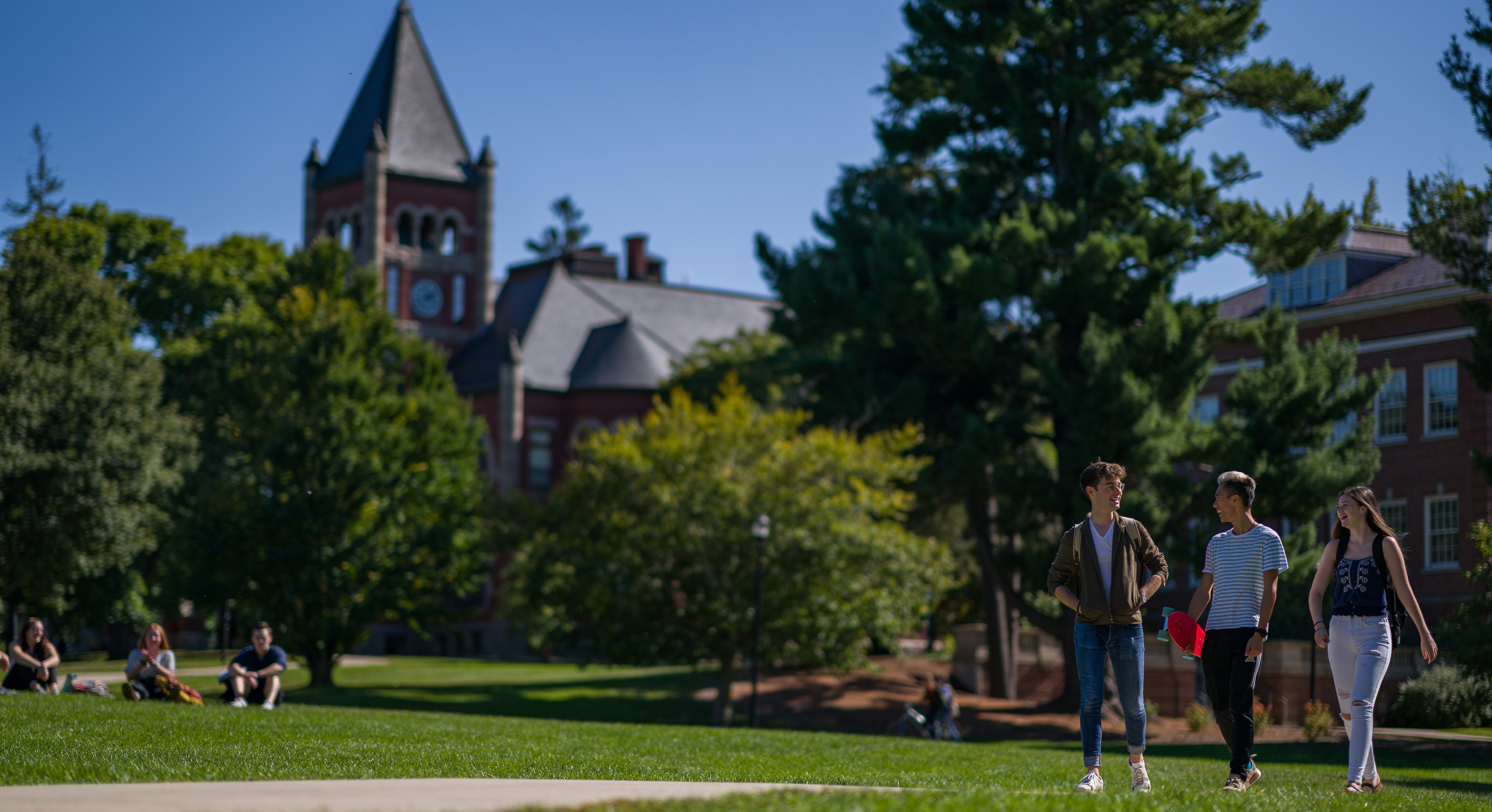 Students walking outside of Thompson Hall