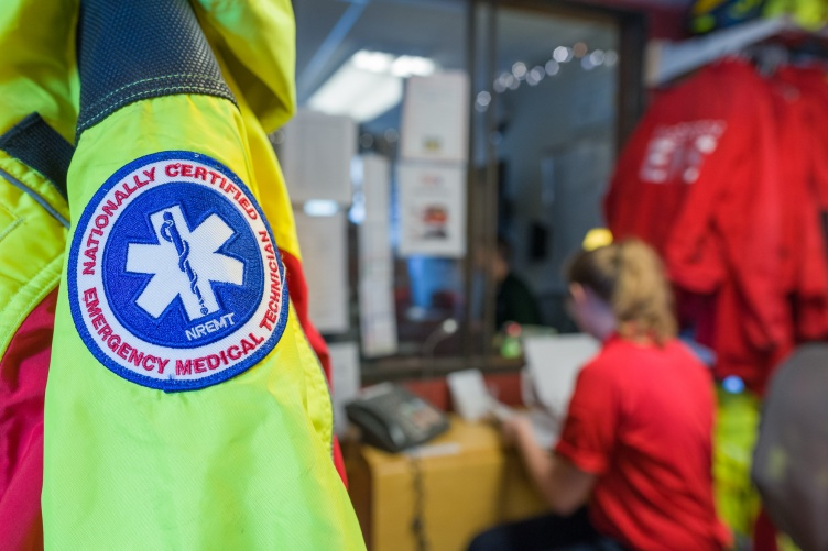 EMS-trained students volunteered 40,000 hours in 2020.