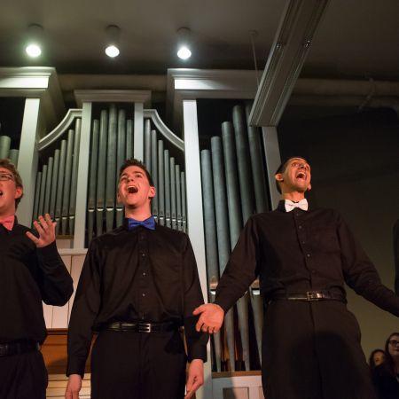 UNH students singing cabaret