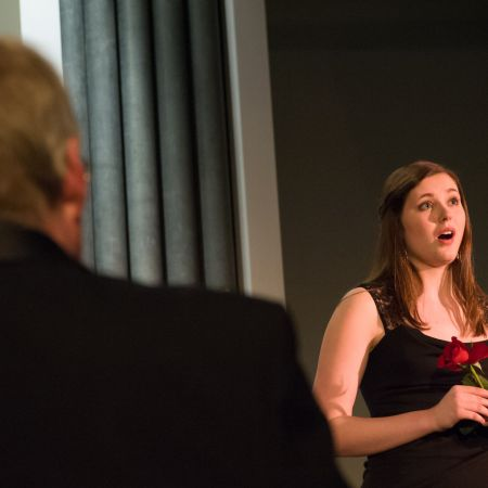 UNH student sings La Vie en Rose