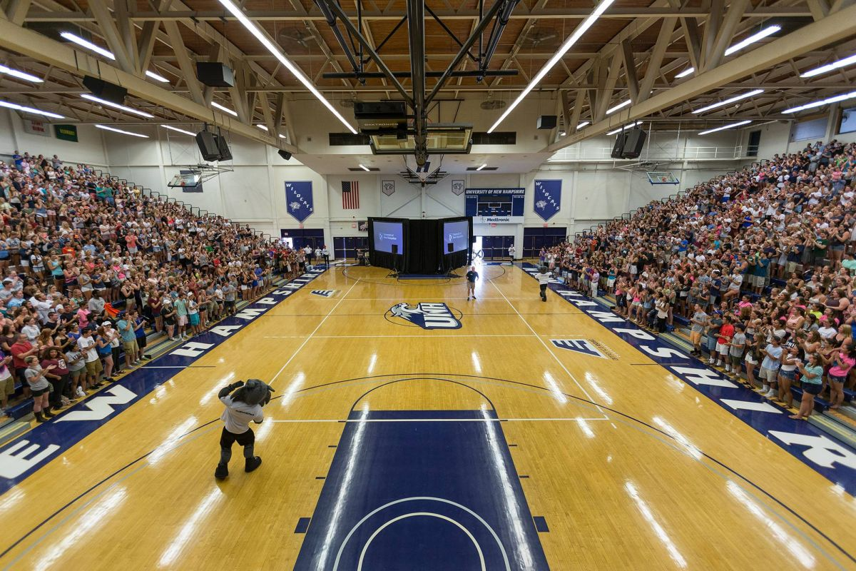 Field house lundholm gymnasium university of new hampshire for Basketball gym dimensions
