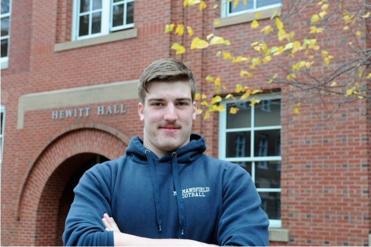 UNH student Jeff Carter '19