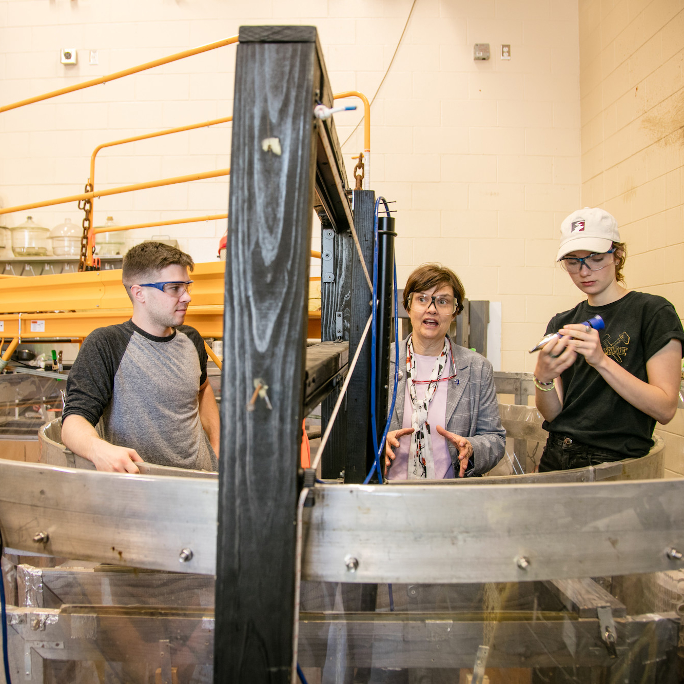 UNH professor Nancy Kinner with students