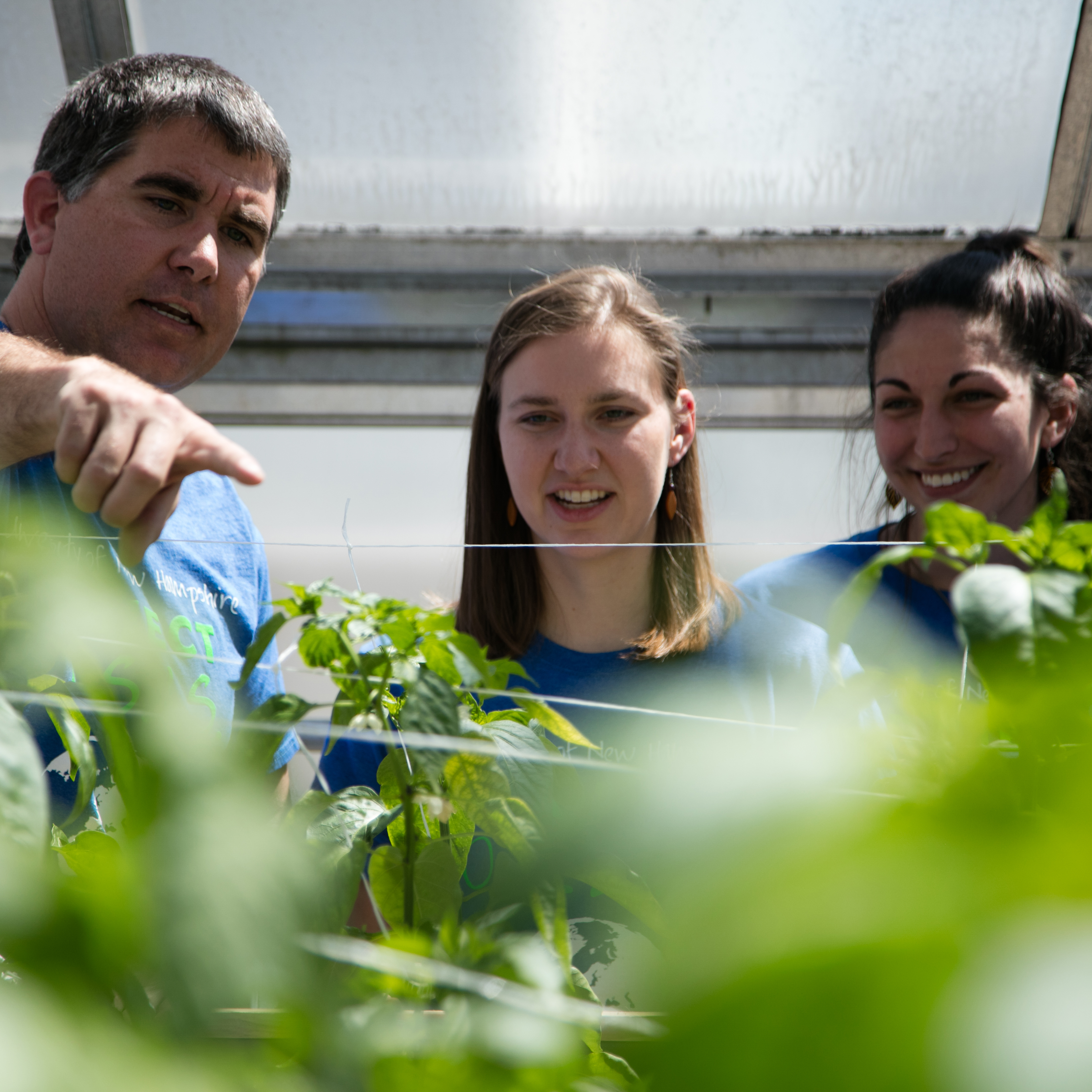 UNH students involved in Project Oasis