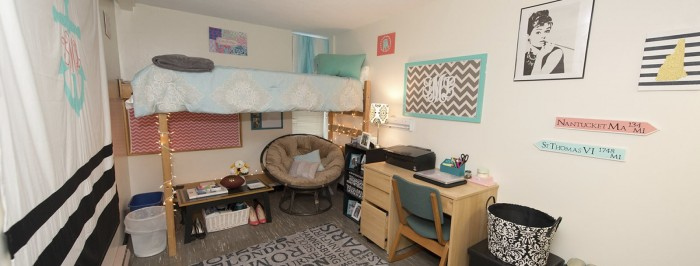 Dorm Room DIY with the UNH Social Team