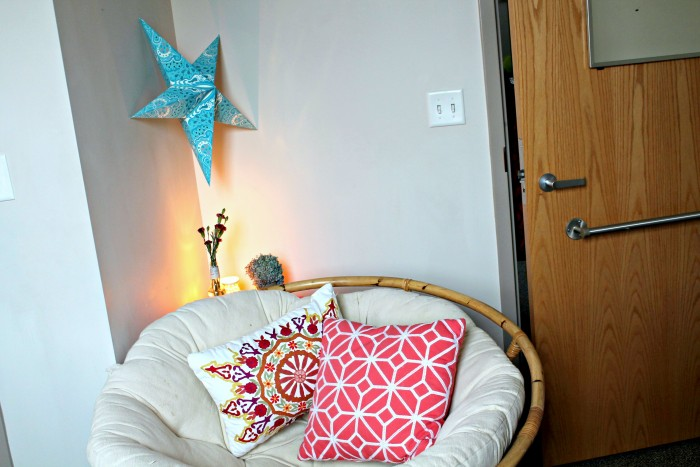 10 Ways To Make Your Dorm Room Feel Like Home