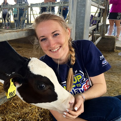 Kelly Moynihan '14 UNH Alumni living in Chicago, working for National Dairy Council's Sustainability Department