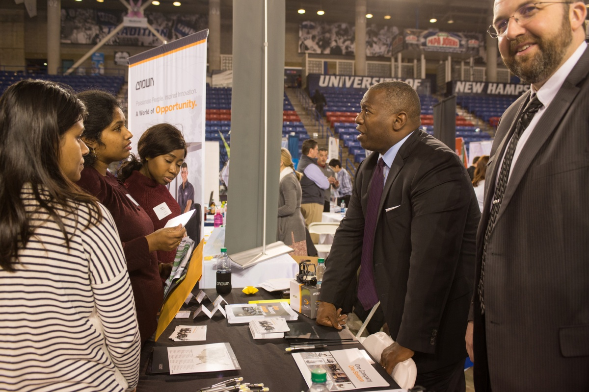 Students talk with employers at UNH Career and Internship Fair