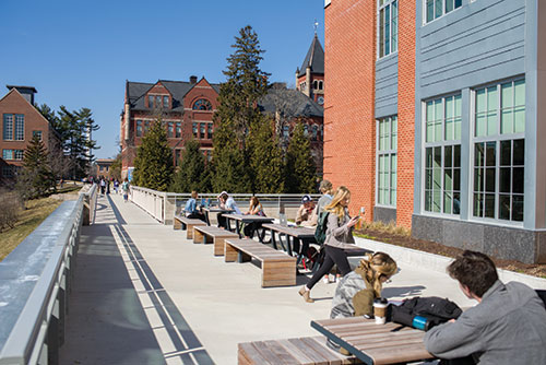 UNH students studying outside Hamilton Smith Hall
