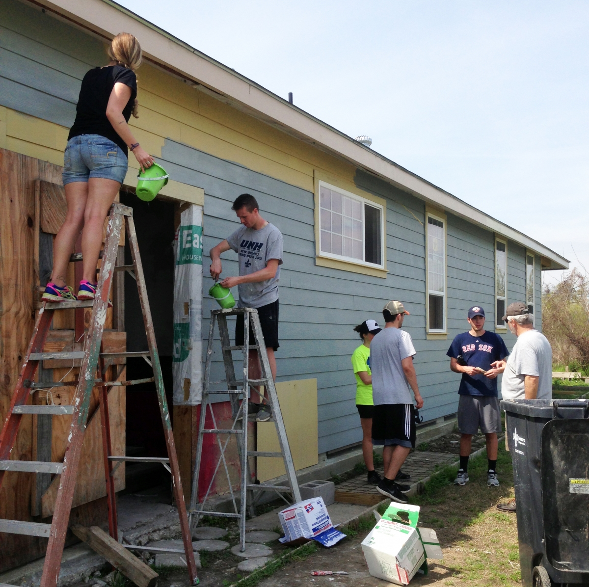 UNH honors class on service trips to N'Orleans