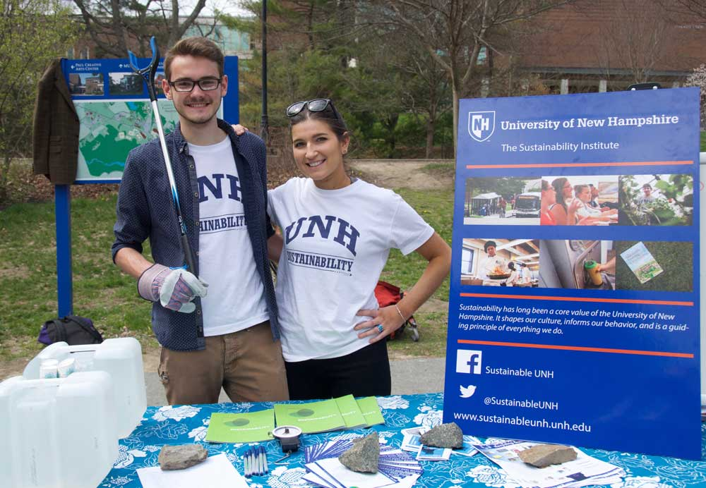 Student's at UNH's Earth Day Dumpster Dive event