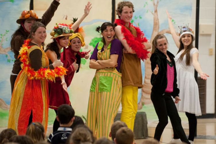 rollie robin theatre troupe
