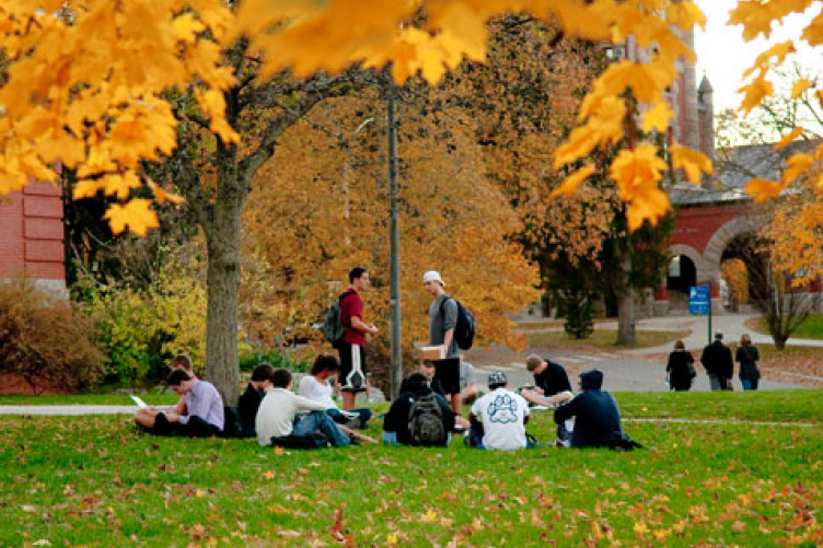 students on lawn in front of thompson hall