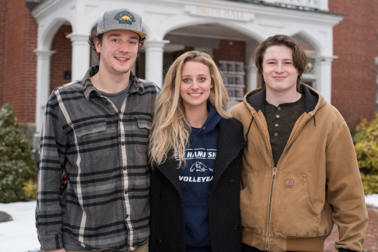 UNH students outside Smith Hall