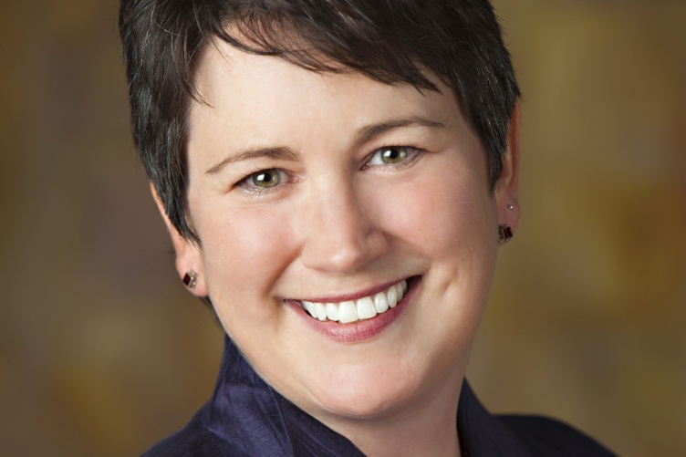 Lyn Schollett