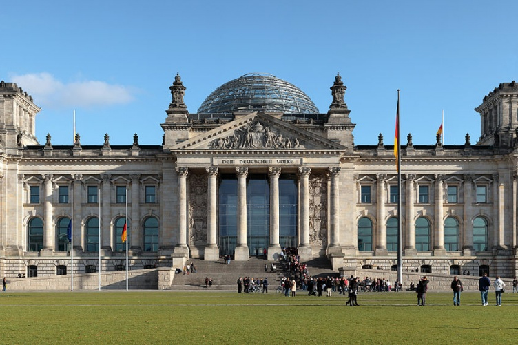 The Reichstag building seen from the west