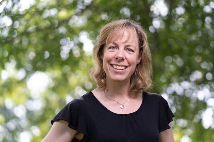 Elisa Bolton