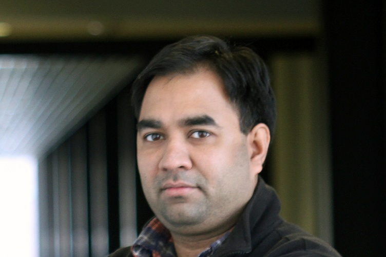 Associate Professor Harish Vashisth