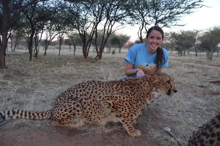 Alicia Walsh with cheetah