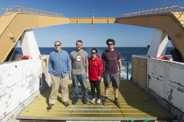 UNH scientists on NOAA ship
