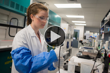 UNH student in internship at Lonza Biologics
