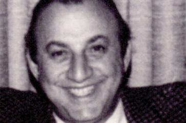 """UNH alumnus Irving """"Sheik"""" Karelis '43"""