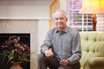 UNH alumnus Bob Winot '71